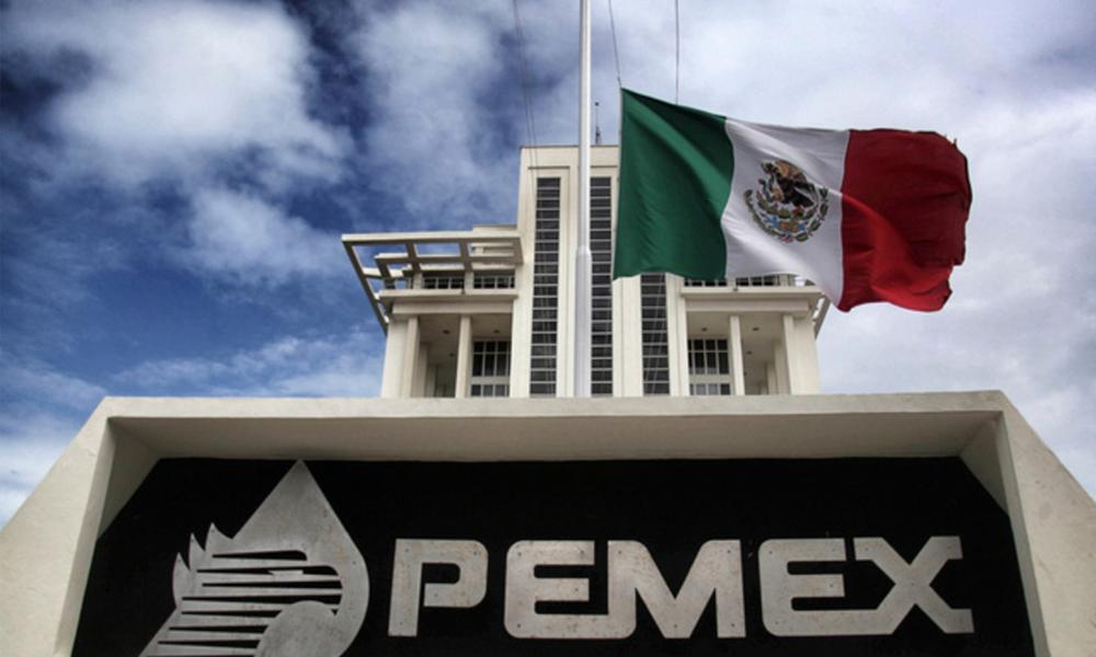 Pemex bandera union nacional tecnicos profesionistas petroleros